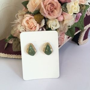 Vintage goldtone & green earrings
